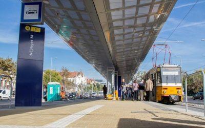Magyarország – Budapest – 1-es villamos megállóinak lemezburkolata